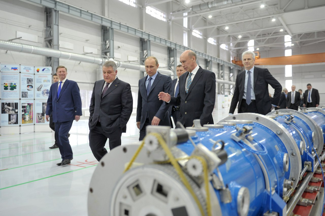 President of the Russian Federation Vladimir V. Putin visits the neutron guide hall of the PIK neutron research facility on 30 April 2013